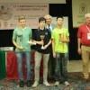 La premiazione delle migliori tre prime scacchiere da sx Leonardi,Favilli (Cecina) e Yao (Torino)