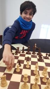 Giuseppe Salvato durante l'analisi di una partita
